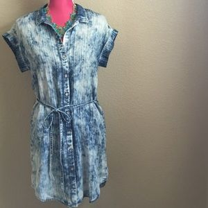 Anthropologie Dresses - Cloth & Stone Chambray Shirt Dress
