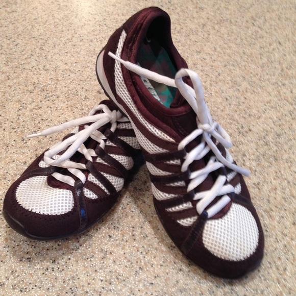 Rocket Dog tennis shoes size 8. M 57ad09702fd0b7b821010fd2 42c687500a98