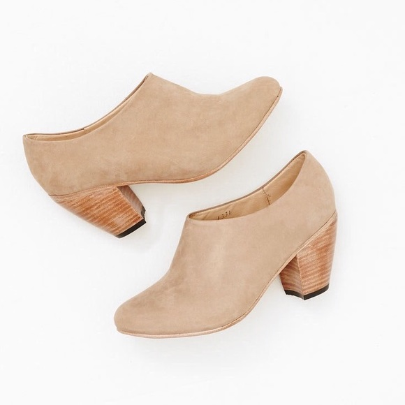 c1ceb5715d7 Dieppa Restrepo Shoes - Dieppa Restrepo Lady Tan Ankle Boot SZ 9
