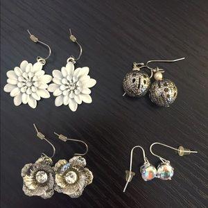 4 pairs of dangle earrings