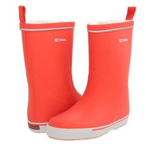 52% off Tretorn Shoes - ⚡NIB Coral Tretorn Winter & Rain Boots ...