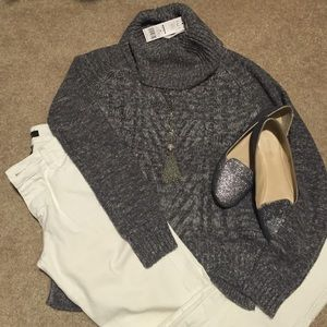 Elle Sweaters - Gray and white turtle neck sweater