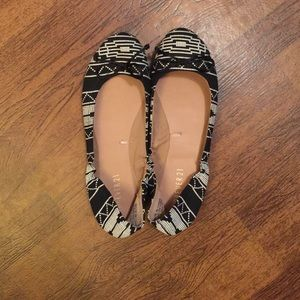 Forever 21 Black and White Flats - Size 7