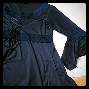 Corset style top/ flare sleeves!! XL