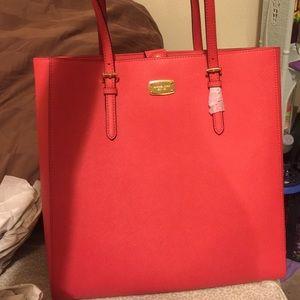 Michael Kors Handbags - Brand-new Michael Kors tote leather bag