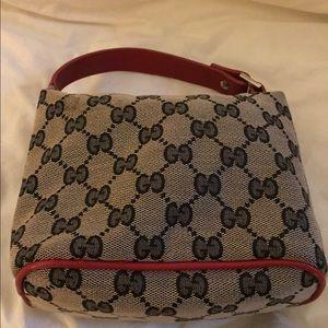 Adorable mini Gucci handbag / pouchette !