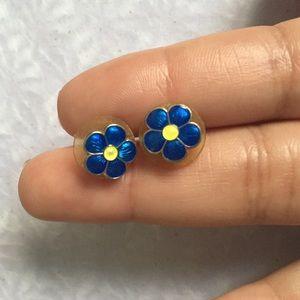 Jewelry - Vintage Cute flower earrings