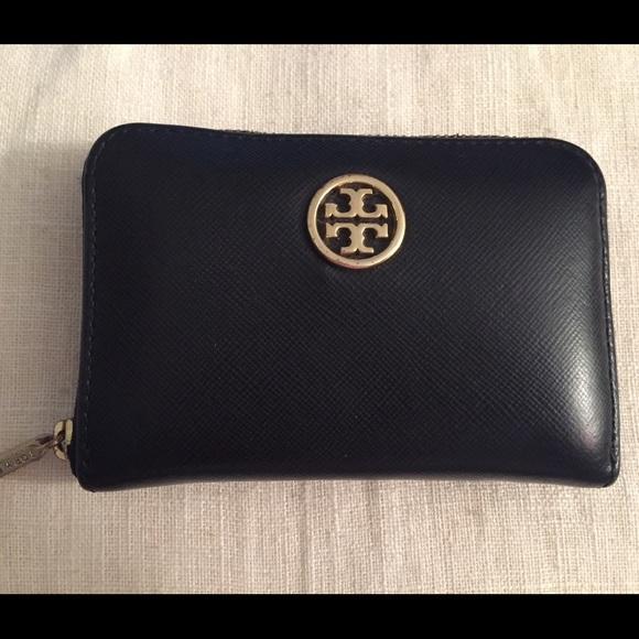 d019a95f6a2 Tory Burch card holder wallet black small keychain.  M 57ad5276620ff708eb006281