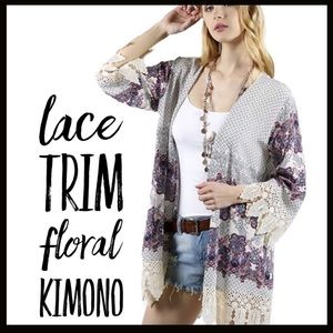 Boutique Other - Lace Trim Floral Kimono