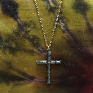 Jewelry - Vintage sterling silver cross necklace
