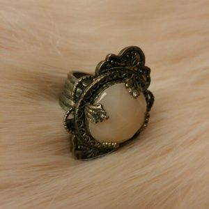 Jewelry - Victorian style ring