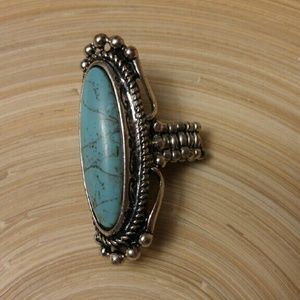 Jewelry - Turquoise and silver statement ring
