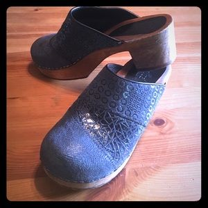 Sanita wooden clogs blue leather