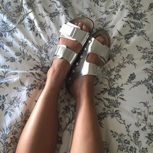 Sam & Libby Shoes - SILVER METALLIC SLIDES