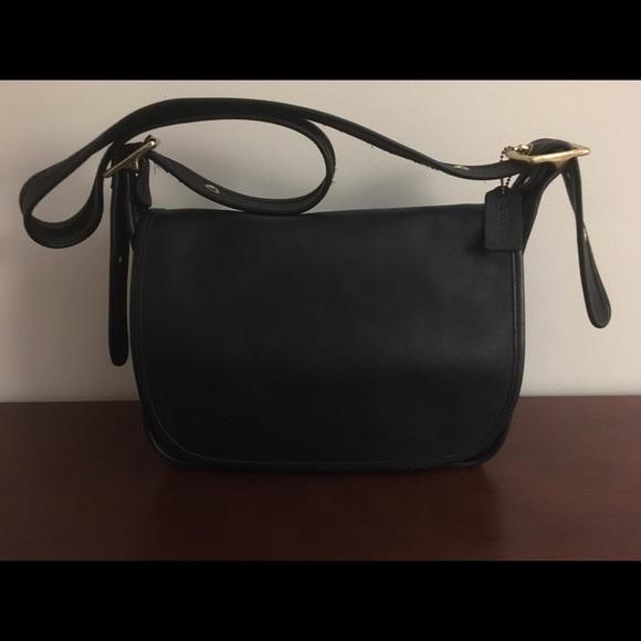 cb0e4e7d7393 Coach Handbags - Vintage Coach Patricia Legacy Purse