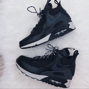 online store d8180 f211e Nike Shoes - Nike Air Max 90 Sneakerboot WNTR Size 7