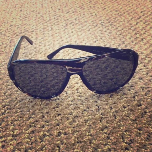 f71cec36925a Versace polarized sunglasses. M 57adf7166d64bce1d7012c21. Other Accessories  ...
