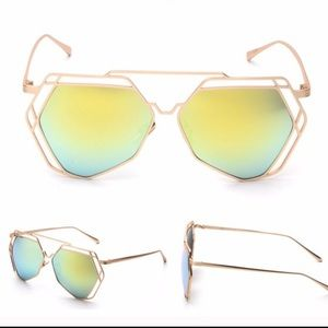 Accessories - Green mirror hexagon sunglasses