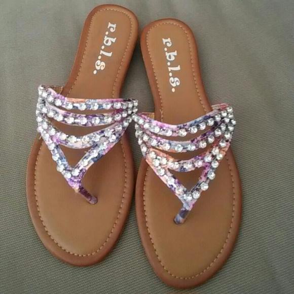 92b9c34705b7d Super cute bling sandals 7.5 new