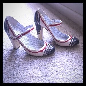 Moschino rare patent leather Mary Janes