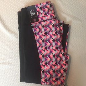 Victoria's Secret VSX Knockout Capri Yoga Pants