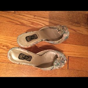 Salpy Shoes - Adorable brocade Salpy mules  with wood