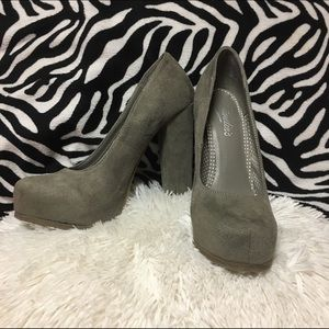 Candie's Shoes - Candie's Caposhtaupe High Heel