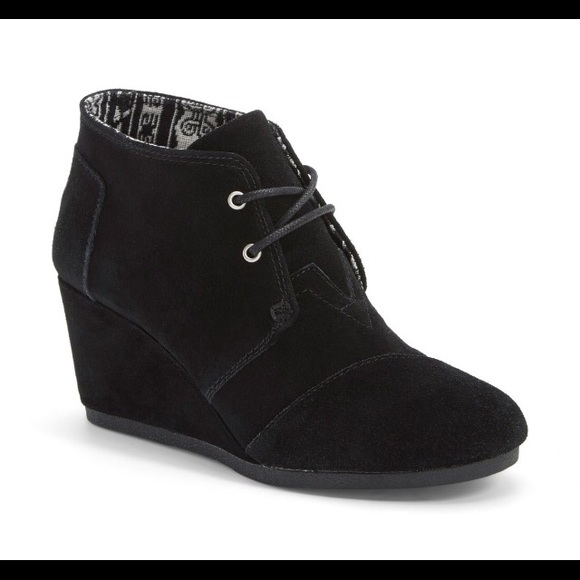 4c1e25e37ab5 Black toms wedge booties - never worn