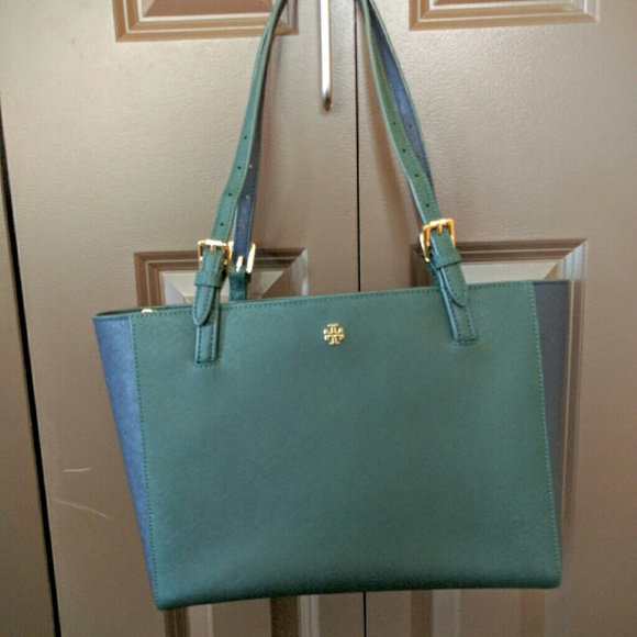 8c8acd027 Tory Burch York Small buckle Tote handbag. M_57ae684e3c6f9f876101124b
