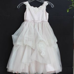 Joan Calabrese Other - Joan Calabrese ivory/blossom flower girl dress
