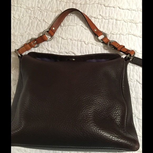 56 off coach handbags brown coach vintage hobo style bag b001brc from rita 39 s closet on poshmark. Black Bedroom Furniture Sets. Home Design Ideas