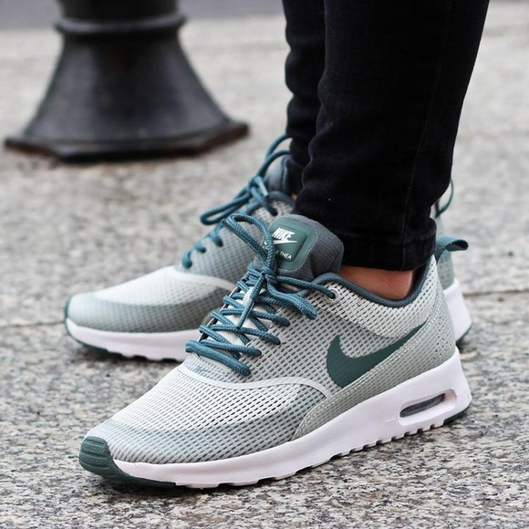 competitive price 6854c a4f4b Women s Nike Air Max Thea