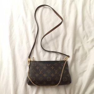 12 Off Louis Vuitton Handbags Louis Vuitton Pallas