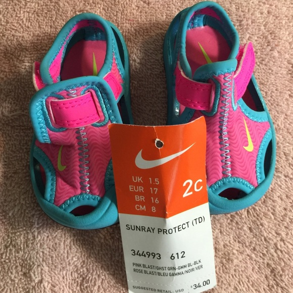 nike sandals size 2