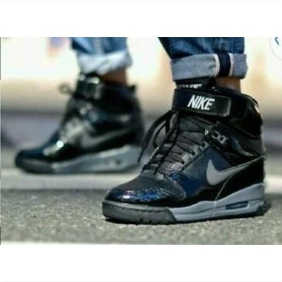 90c2394fab26 Nike Dunk Sky Hi Patent Black Sneakers. M 57af2e3e13302a2ae1032d34