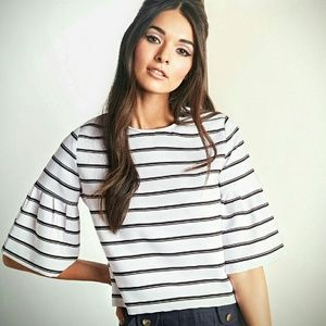 Tops - Black & White pleated bell sleeve top