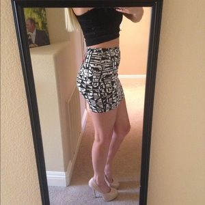 Boohoo Skirts - Bodycon Mini Skirt - Geometric