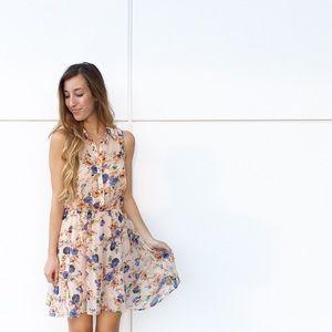 Dresses & Skirts - LAST ITEM button up floral dress