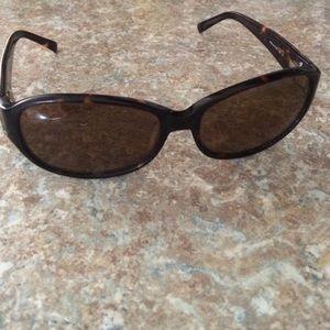 Accessories - Vera Bradley polarized sunglasses