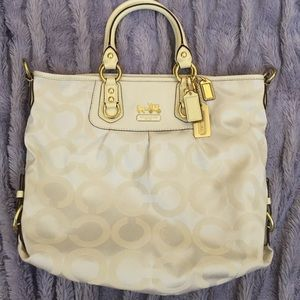 ✨💫COACH NWOT beautiful white tote purse 💫✨