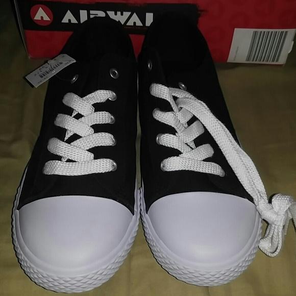 NWT Airwalk converse style canvas shoes kids 4.5 2ce3eeee8511