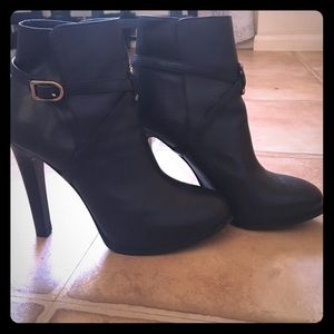 Tory Burch Shoes - Tory Burch strappy ankle booties