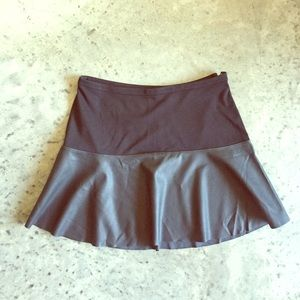 Express cute black skirt