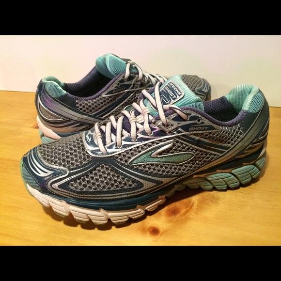 5ecbe5e3f8c38 Brooks Shoes - Women s Size 10 Brooks Ghost 5 MOGO Shoes