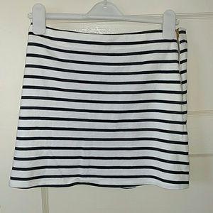 Petit Bateau Dresses & Skirts - Petit Bateau mini skirt LN!
