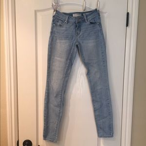 Bullhead Denim Co. Low Rise Skinniest jeans