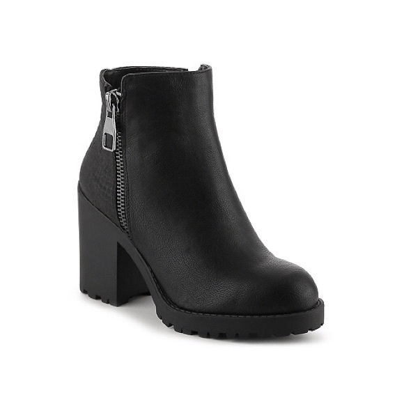 25% off Shoes - Mix No. 6 'Desco' Black Chunky Heel Booties from ...