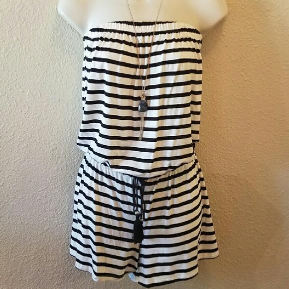 620f960f284a NWOT Black and Cream Striped Strapless Romper. M 57afa57e6a58306714040a88