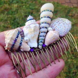 Abbie's Anchor Accessories - Gorgeous seashell  hair comb//Mermaid hair//Boho