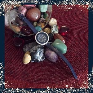 HUGO Accessories - 💞HUGO💖stunning ladies watch